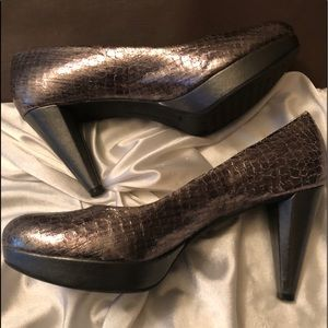 Antonio Melani Metallic Pumps